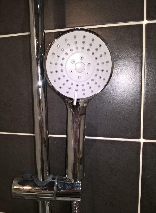 Sprchový systém Optima Optima s termostatickou baterií chrom OPTIMASSTK
