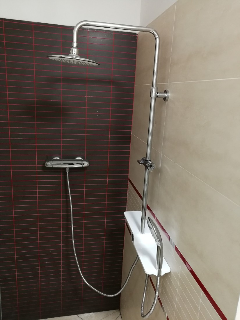 Sprchový systém Swiss Aqua Technologies bez baterie bílá/chrom SATPIPE